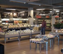 5New-Redruth-Shopping-Centre,-Alberton-Woolworths-FOODS